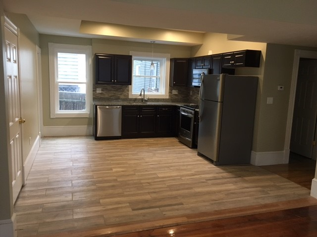 4 Beds, 1.5 Baths apartment in Boston, Jamaica Plain for $875