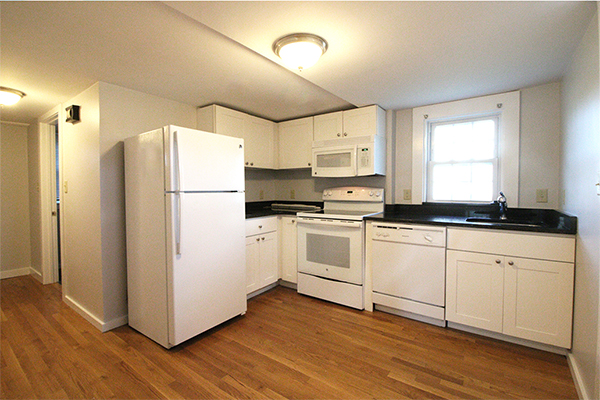2 Beds, 1 Bath apartment in Danvers for $2,100