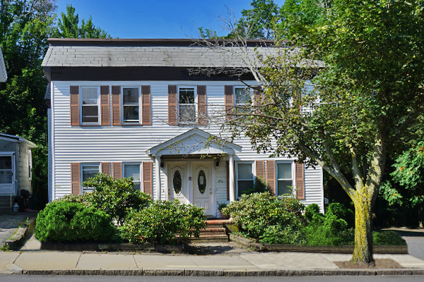 2 Beds, 1 Bath apartment in Waltham for $2,100
