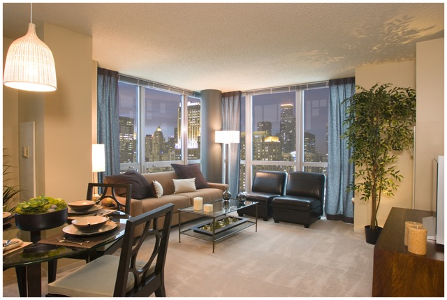 400 East South Water St., Chicago, IL - 3,018 USD/ month