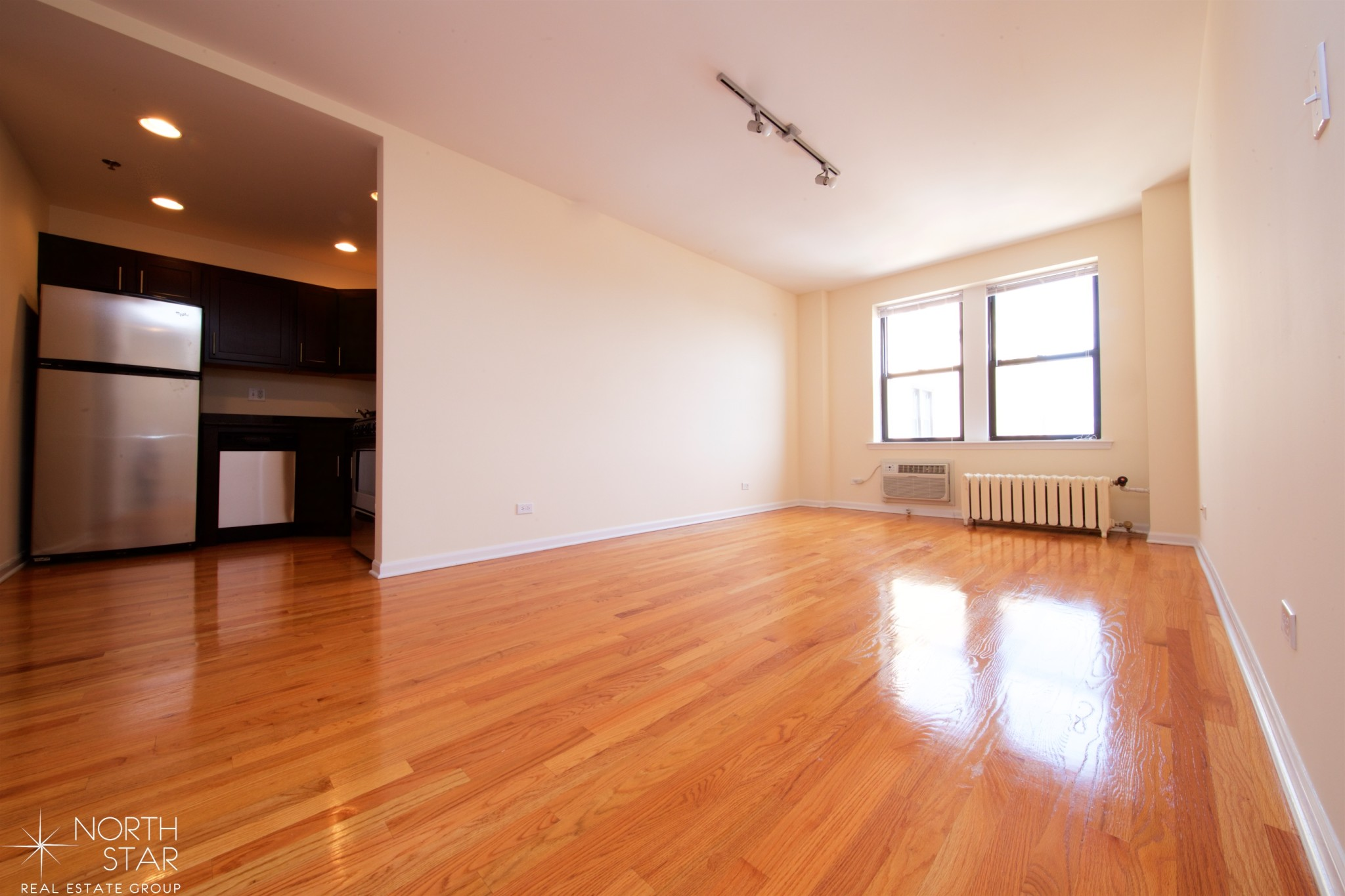 5050 North Sheridan Rd., Chicago, IL - 1,403 USD/ month