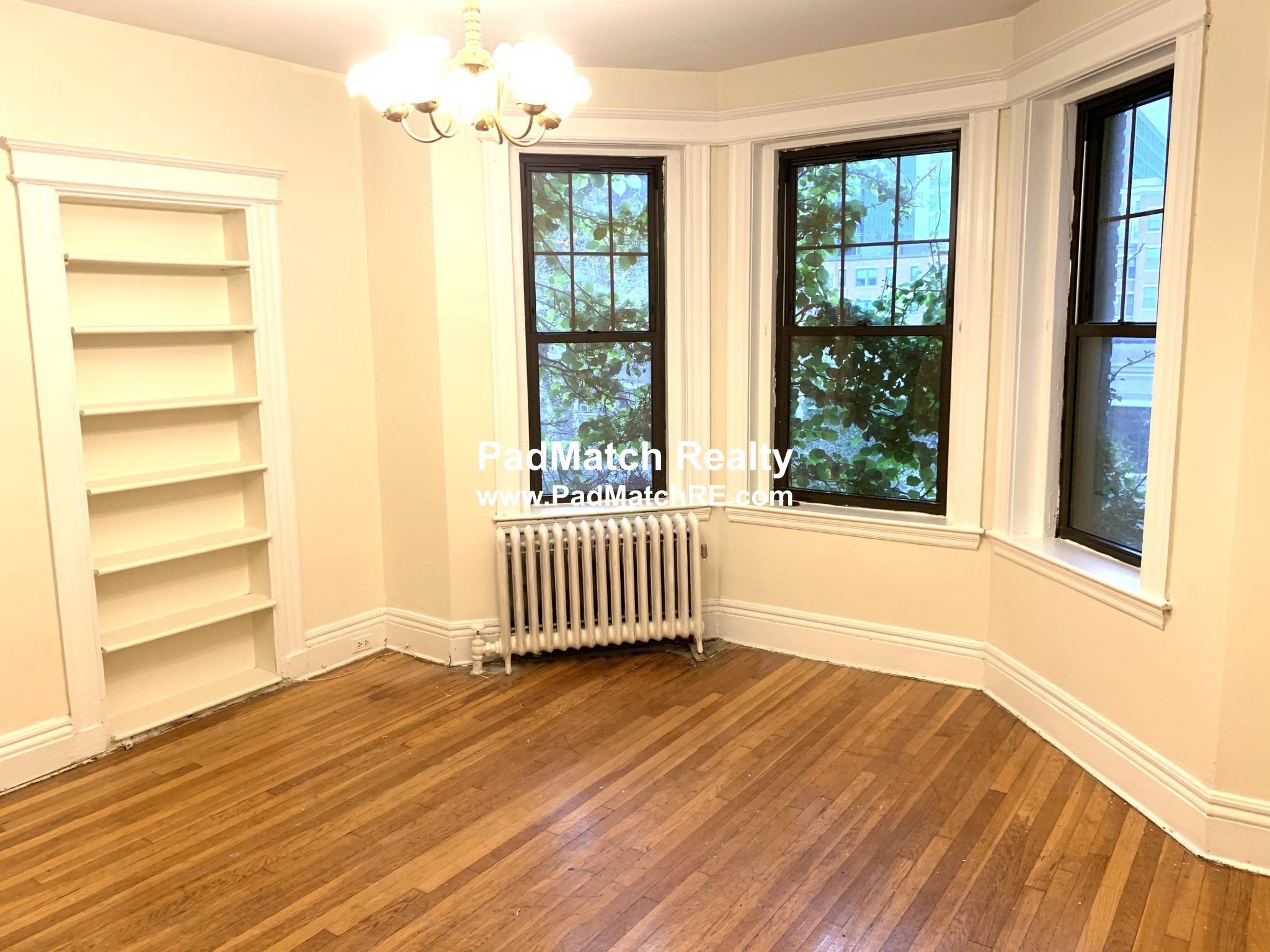 1.8 Beds, 1 Bath apartment in Boston, Fenway for $2,550
