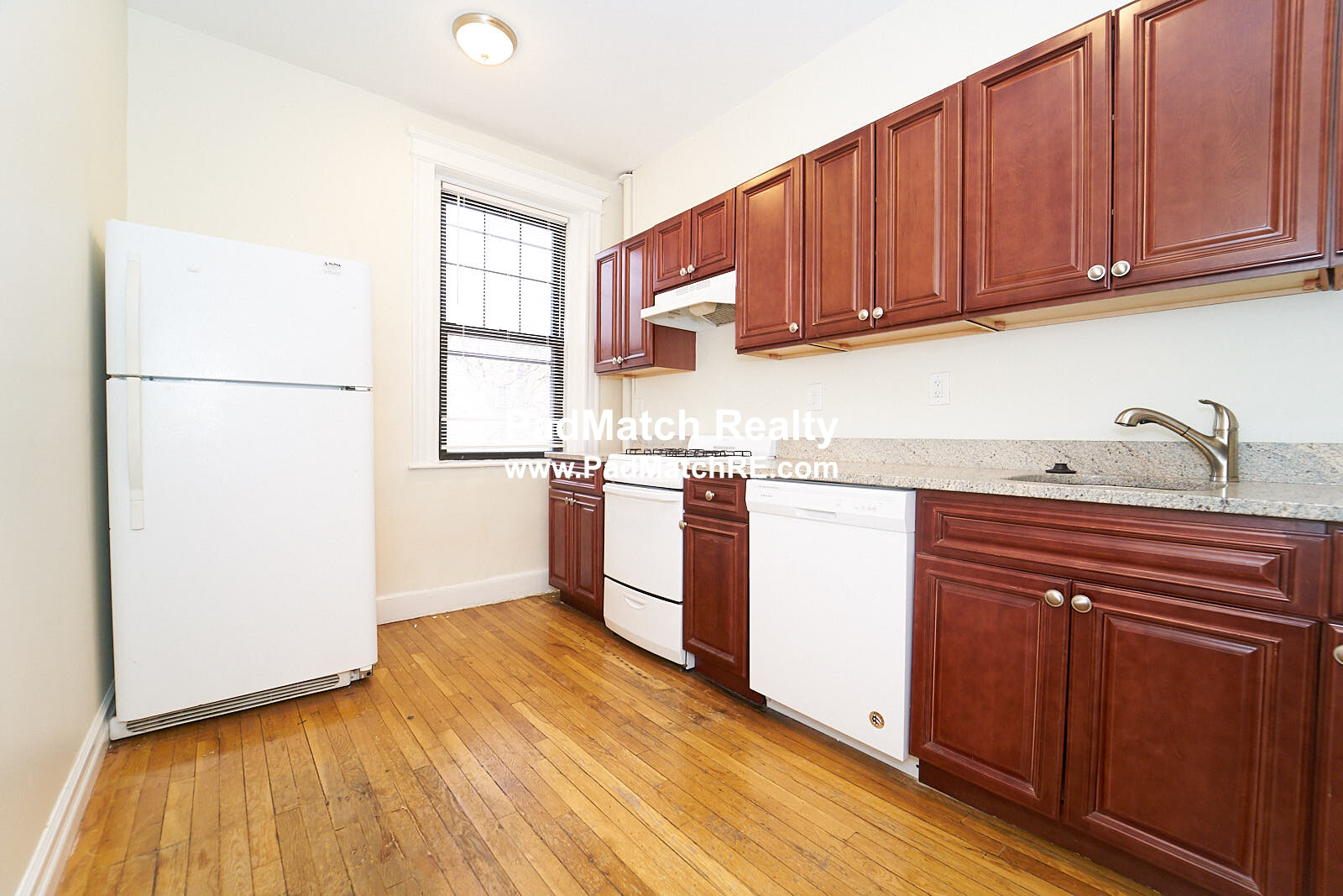 1.8 Beds, 1 Bath apartment in Boston, Fenway for $2,400