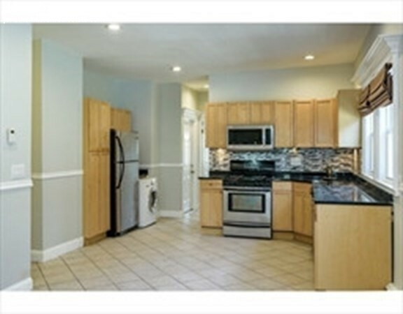 2 Beds, 2 Baths apartment in Boston, Dorchester for $1,850