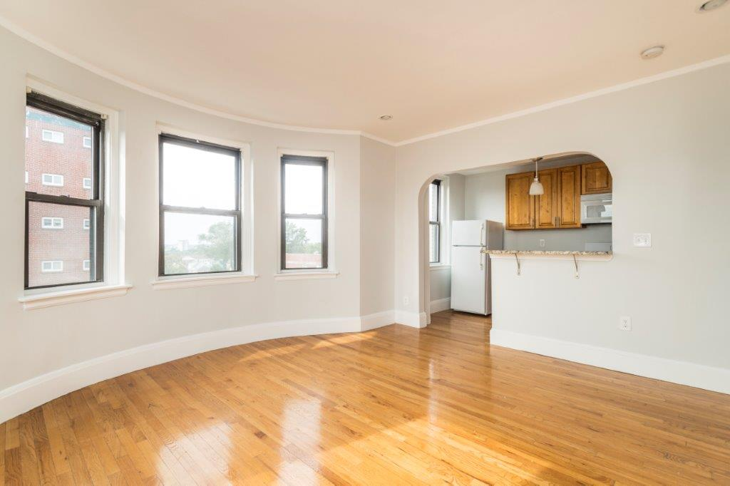 Pictures of  property for rent on Highland Ave., Somerville, MA 02143