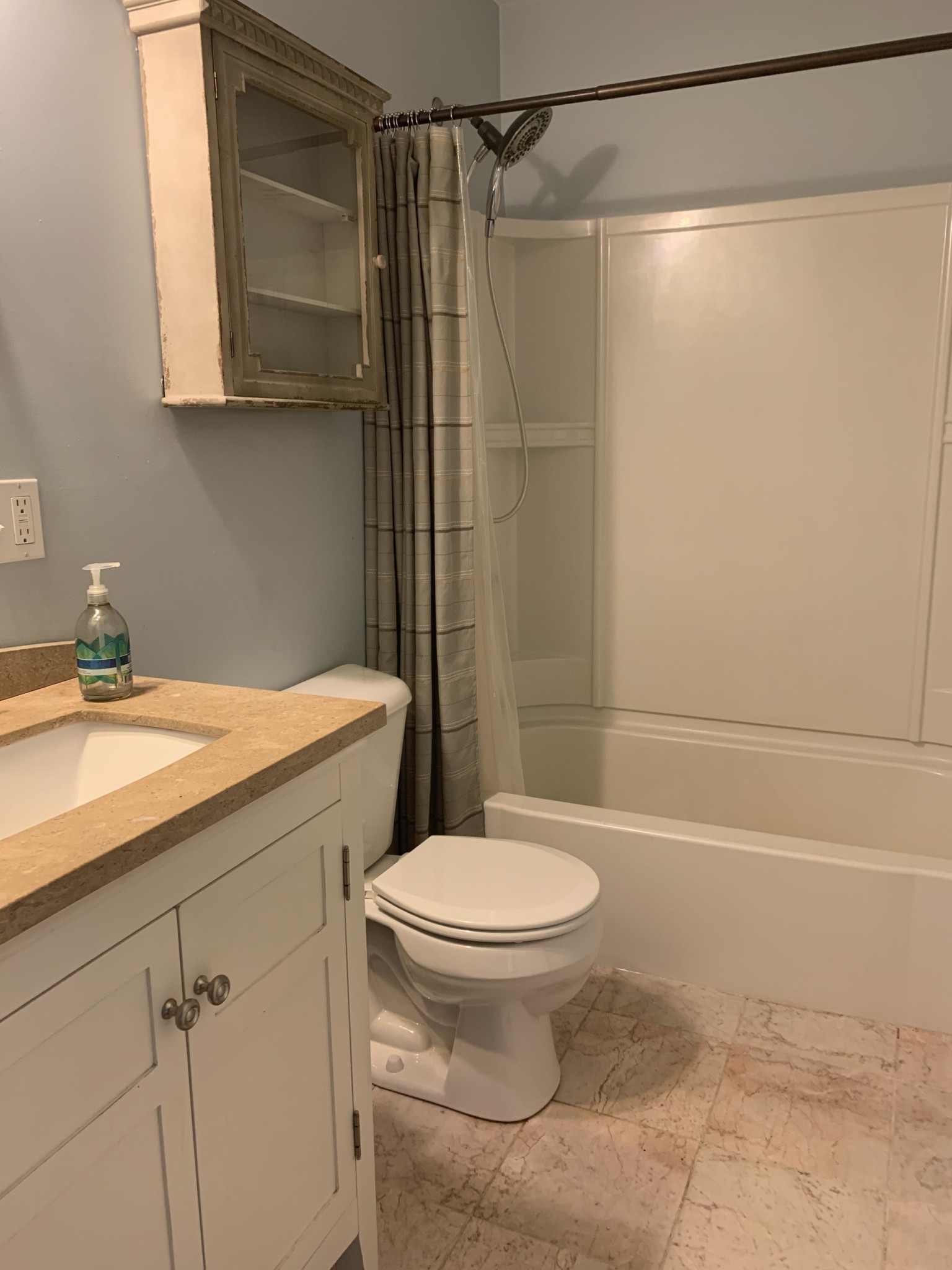 2 Beds, 1.5 Baths apartment in Boston, Roslindale for $2,200