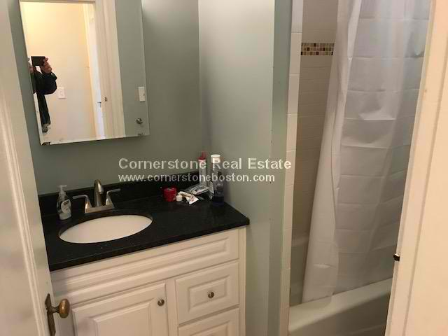4 Beds, 2 Baths apartment in Cambridge, Inman Square for $4,400