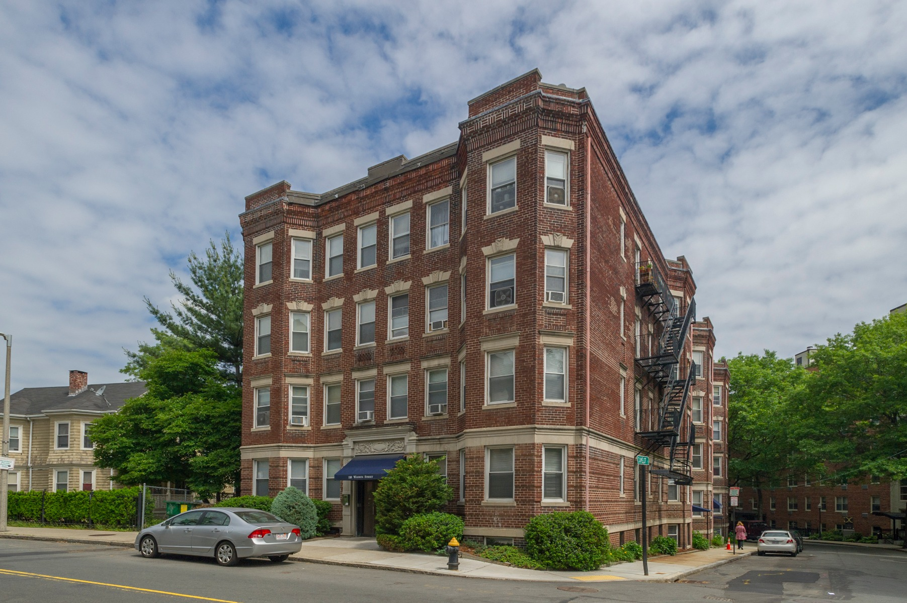 156935350, Boston - Brighton | Benjamin Apartments ...
