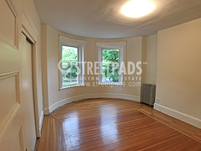 Photos of apartment on Beacon St.,Brookline MA 02446
