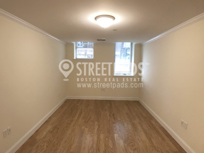 Photos of apartment on Chauncy St.,Cambridge MA 02138
