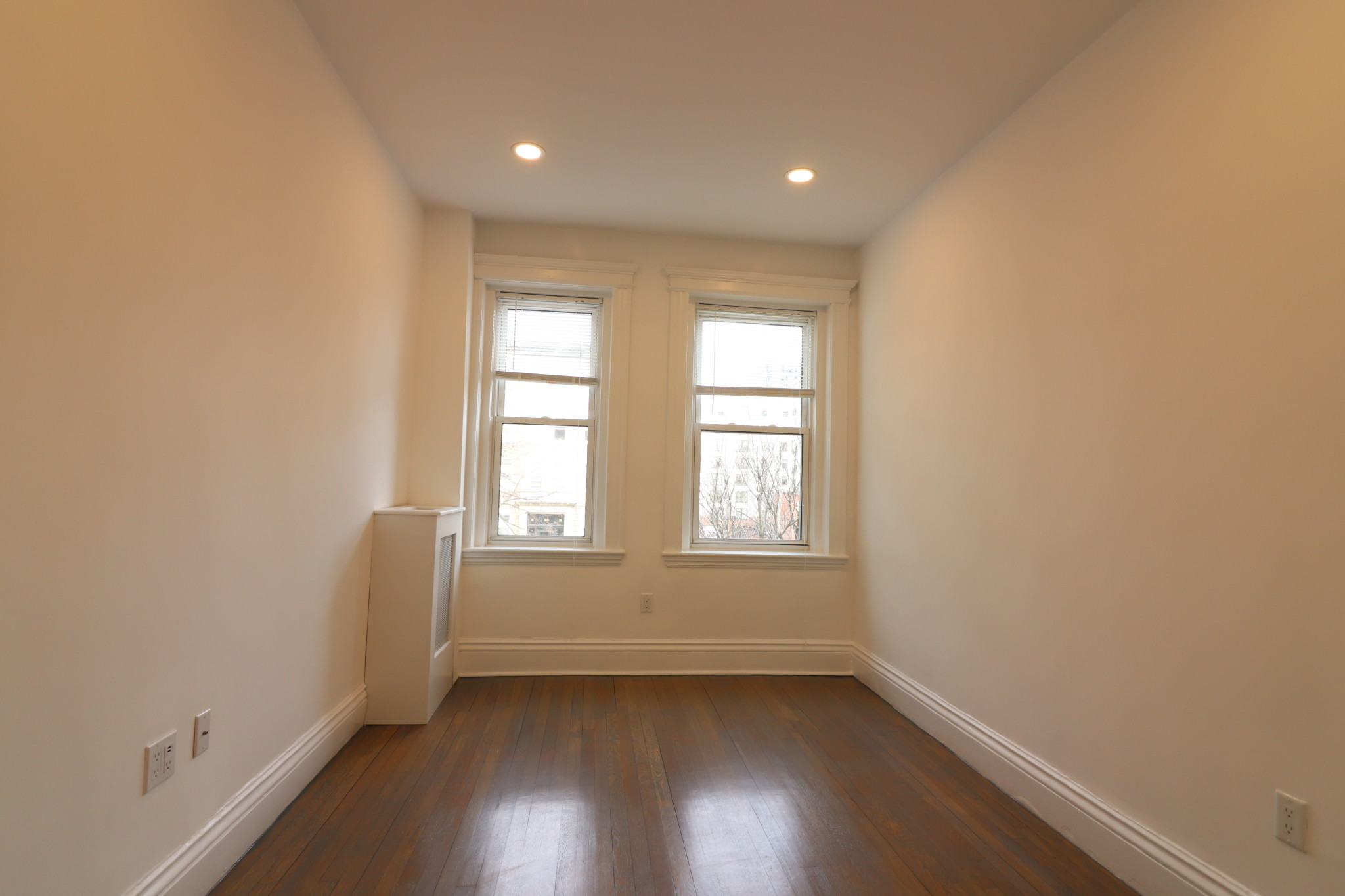 Photo 6 for Queensberry St.
