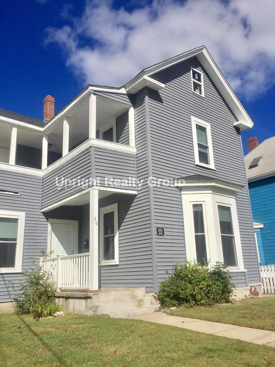NO FEE -Sunny 2BR (Heat & Hot Water Included)