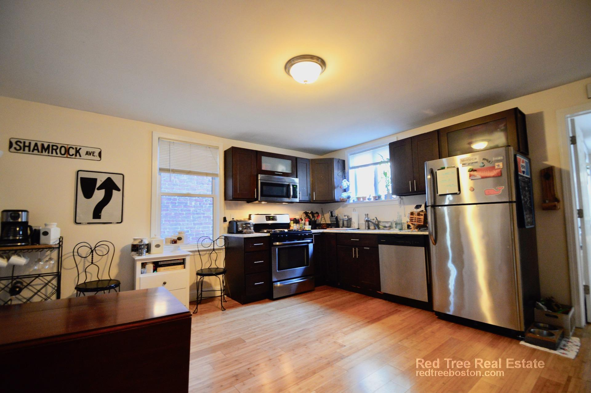 3 Beds, 2 Baths apartment in Boston, East Boston for $2,900
