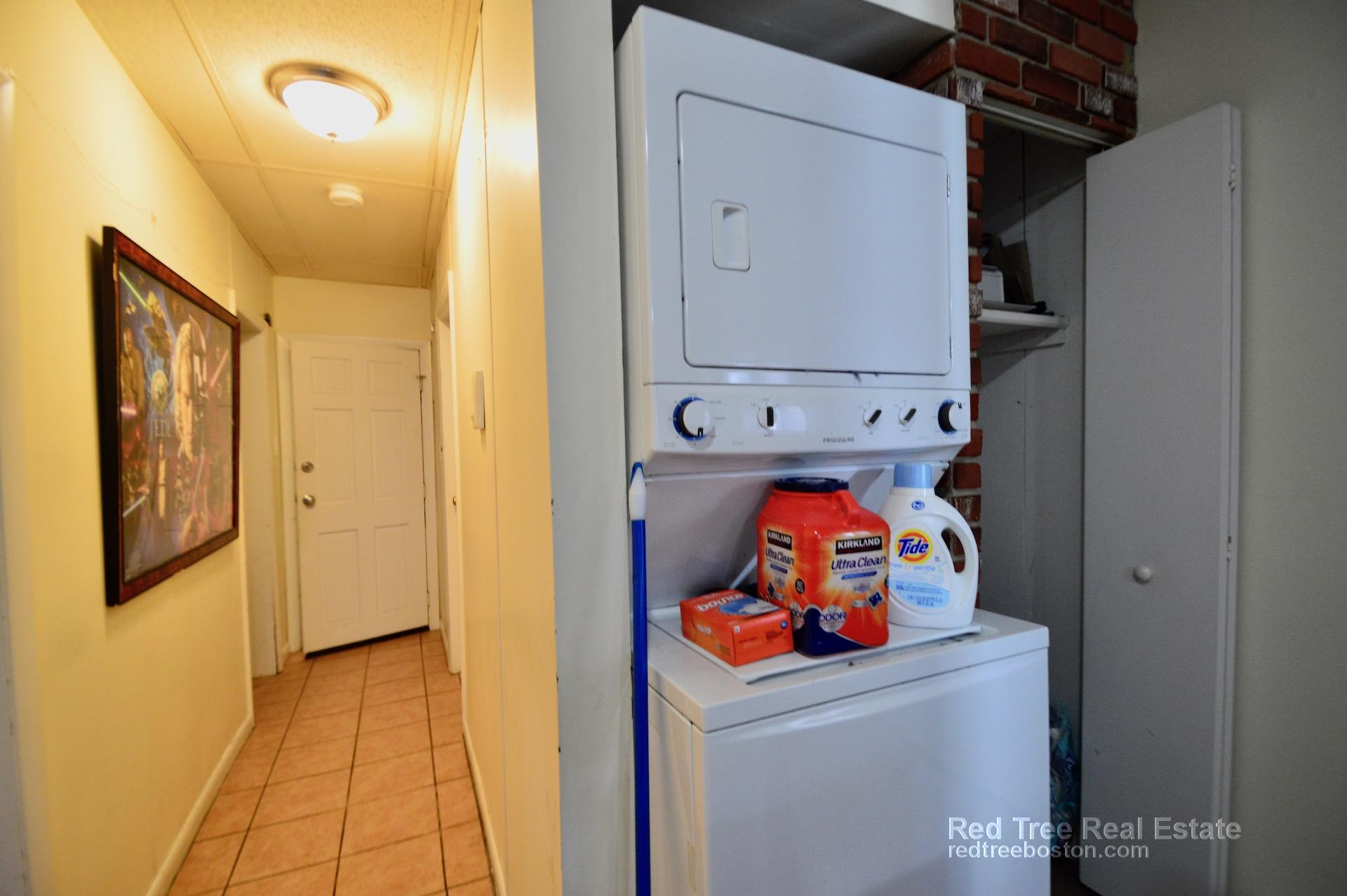 4 Beds, 1 Bath apartment in Boston, East Boston for $3,300