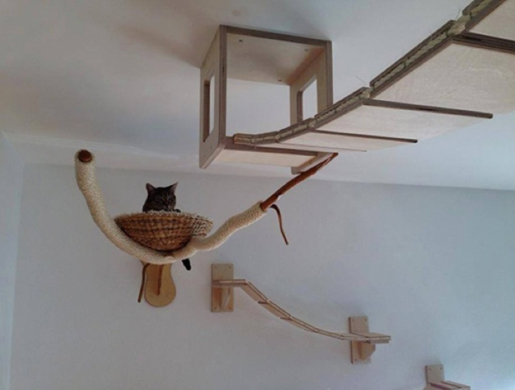 The cat tree the best playground for your kitties for Diy cat playground