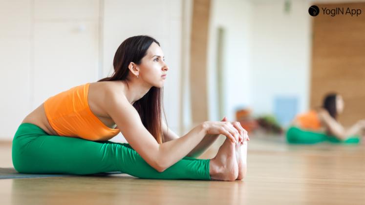 anteflexão aula de yoga