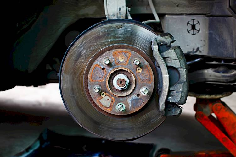 Car Break Pads Worn : Symptoms of a bad or failing brake rotor disc