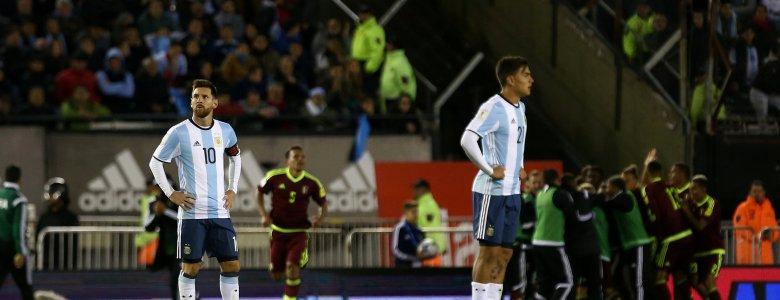 منتخب الأرجنتين أم منتخب التمرير لميسي !