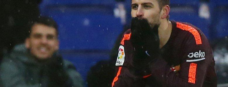 بيكيه ينقذ فريقه برشلونة من الخسارة