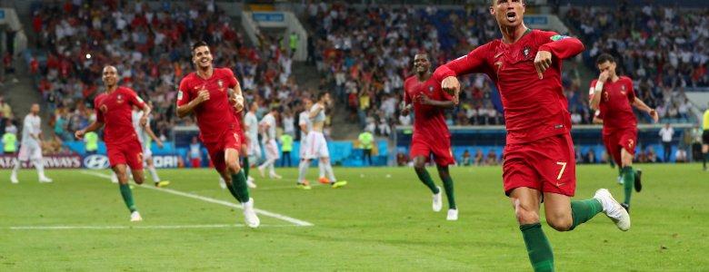 في سماء روسيا ... رونالدو يقسم إسبانيا إلى فريقين