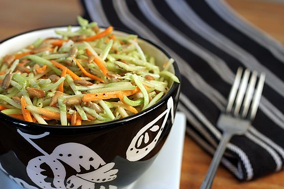 how to make your own broccoli slaw