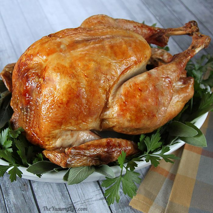 In An Oven Bag Whether It S Your First Time Cooking Thanksgiving Dinner Or You Re A Seasoned Pro The Turkey Is Centerpiece Of Table
