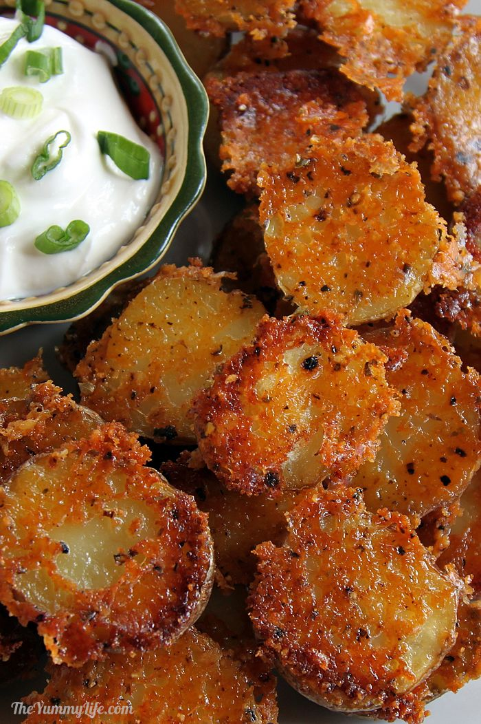 Easy crispy parmesan garlic roasted baby potatoes easy crispy parmesan garlic roasted baby potatoes have amazing flavor and texture they forumfinder Choice Image
