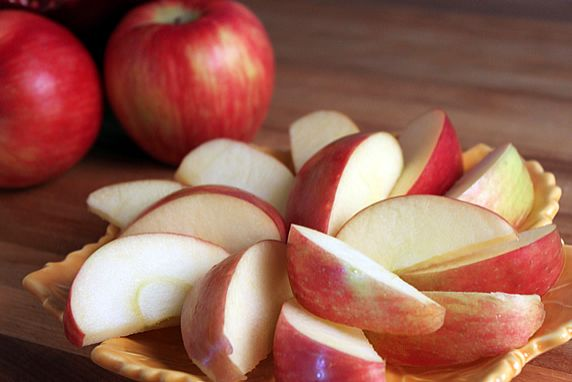 How To Keep Apple and Pear Slices From Browining. Use this simple soak method to keep pre-sliced apples and pears in the fridge without browning. Great for snacks, party platters, and fruit salads. From TheYummyLife.com