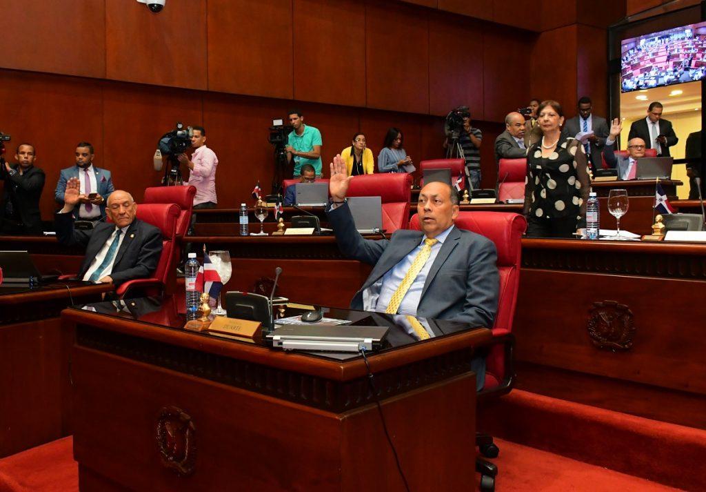 Senado env a a comisi n bicameral presupuesto general del - Jose santiago vargas ...
