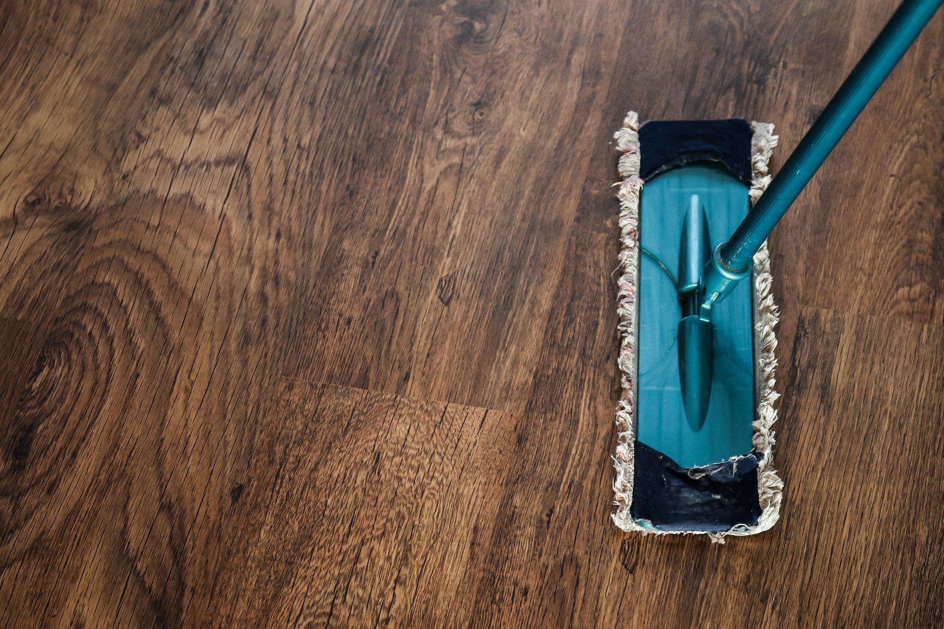 Cleaning a hardwood floor