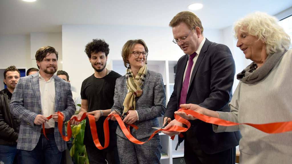 German Home Affairs Minister Ina Scharrenbach and Mayor Andreas Hollstein open Freiheit26