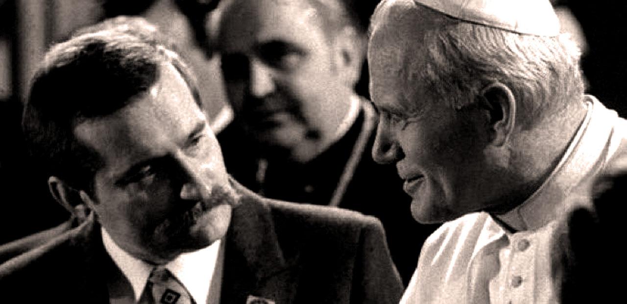 Lech Wałęsa with Pope John Paul II