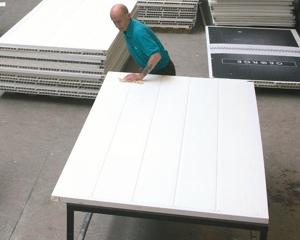Reconditioning hoarding panels