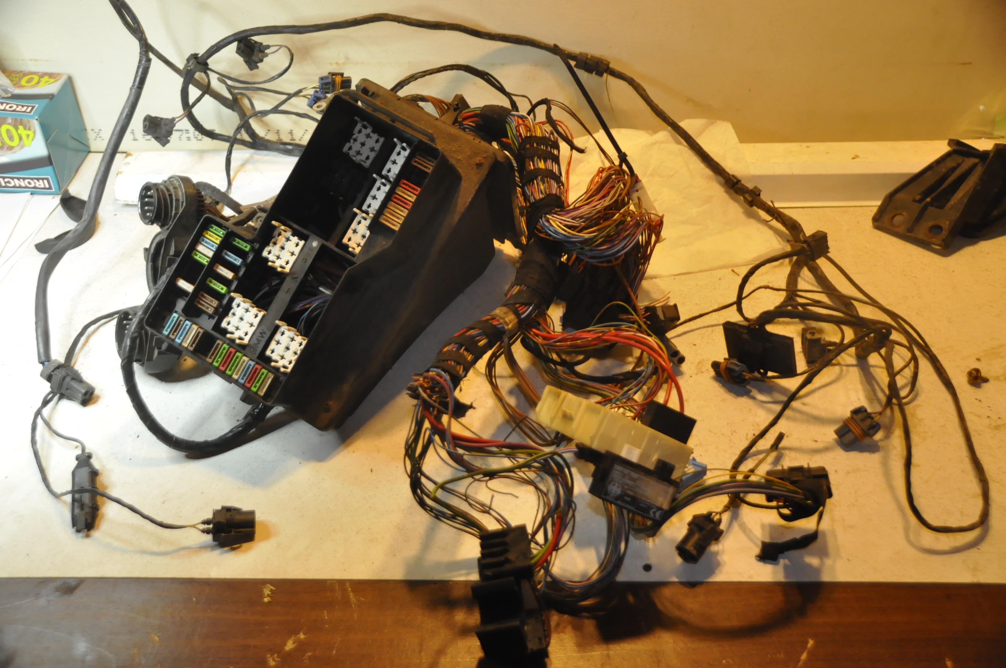 318ti fuse box bmw oem 7152057 used engine compartment wiring harnes with fuse  bmw oem 7152057 used engine compartment