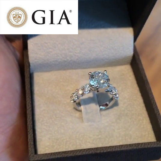 3 CARAT G VS2 ROUND BRILLIANT CUT GIA DIAMOND SET IN 14K WHITE GOLD RING