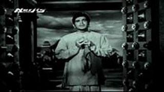 Apni Chhaya Mein Bhagwan Bitha