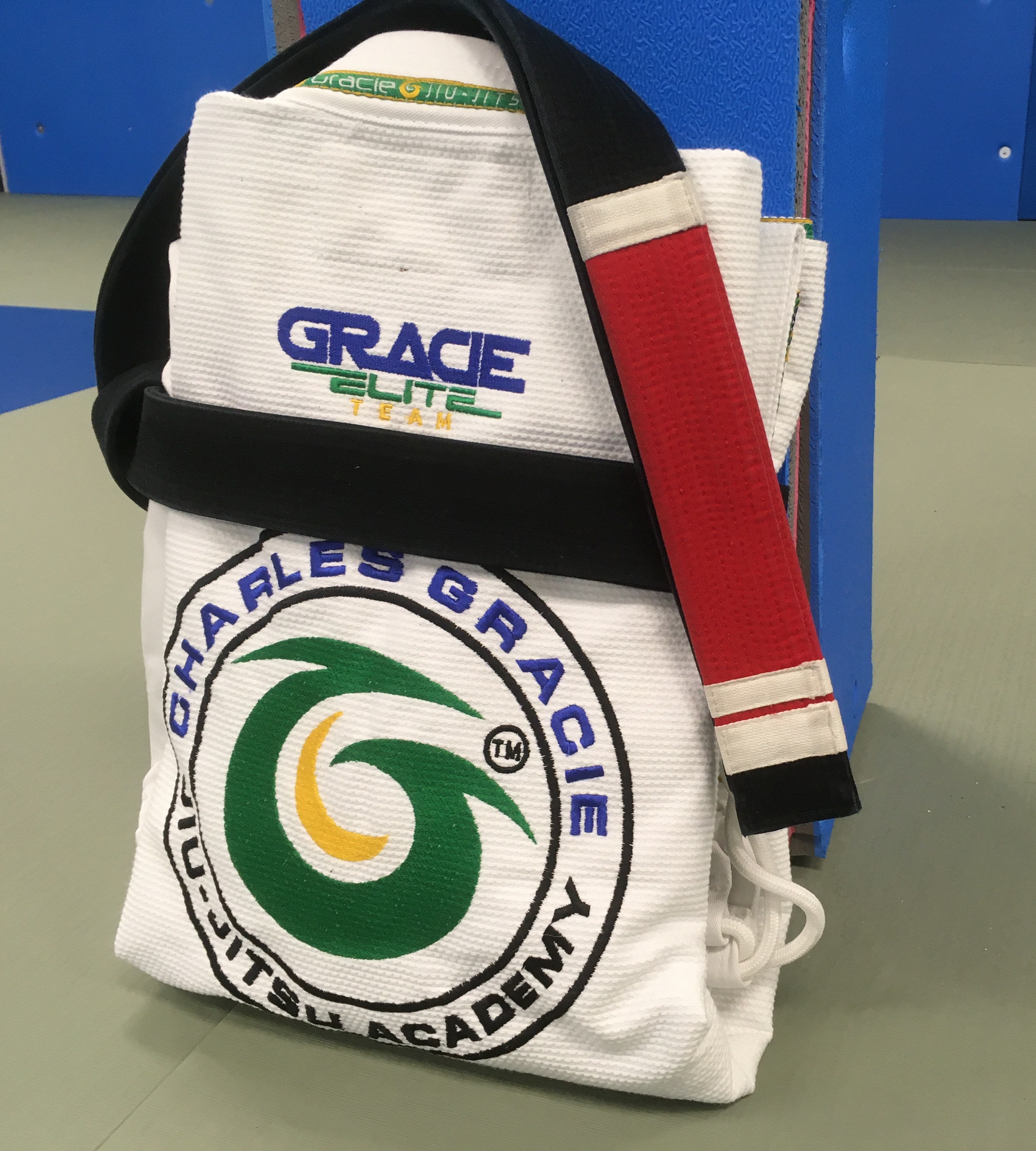 DON'T BE A GOOFBALL: HOW TO FOLD YOUR BJJ GI