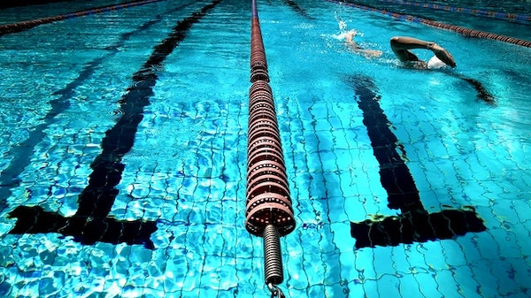 5 Benefits of Joining a Kids Swim Team
