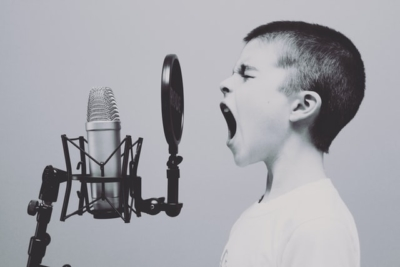 Overcome-Challenges-to-Your-Vocal-Practice-Fox-Music