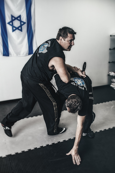 Are-You-Training-With-the-Right-Instructor-Performance-Krav-Maga