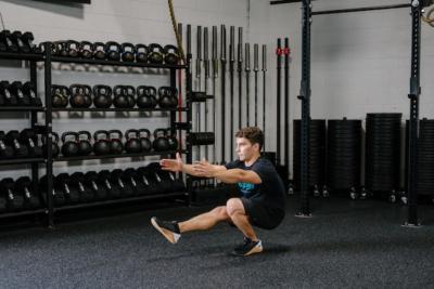 Points-of-Performance-The-Single-Leg-Squat-Demo-2-Rhapsody-Fitness