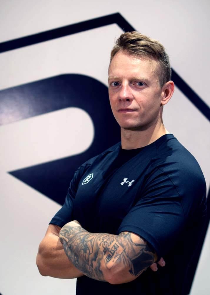 trainer: Alexandre Z