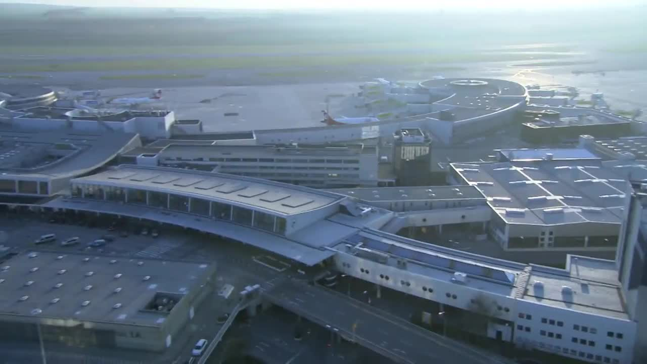 Thumbnail of Vienna International Airport.  A retail revolution in central Europe. 5 mins 45 secs.