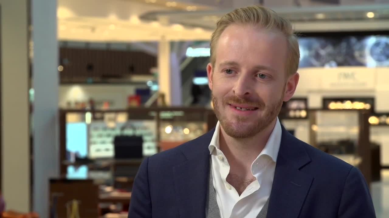 Thumbnail of MAX HEINEMANN ON HEINEMANN'S  SYDNEY AIRPORT MEGASTORE STRATEGY. 7 minutes.