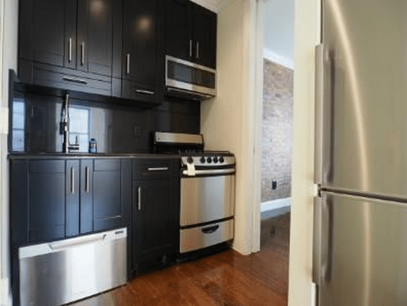 The Best No-Fee Apartments in NYC Right Now (Under $1,500 Per Person)