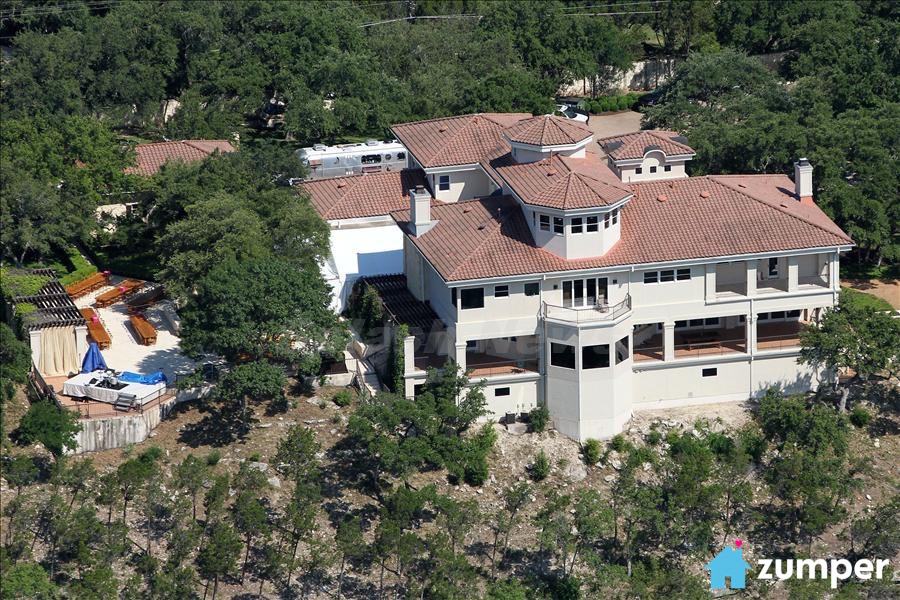 Fantastic 7 Homes You Can Rent Next To A Famous Celeb Home Interior And Landscaping Pimpapssignezvosmurscom