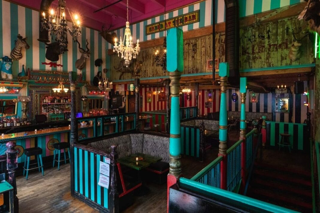 Where to Drink in Seattle: 10 Dive Bars, Speakeasies, and