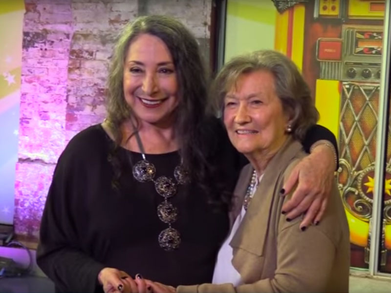 Marilyn Lightstone Surprises a Lucky Fan! featured image