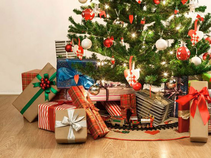 Top 5 Fantasy Christmas Gifts for 2017 featured image