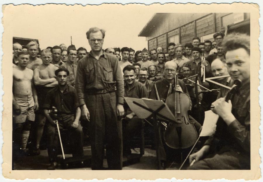 A war, a prison, a music-loving Nazi guard – yet a stunning quartet emerged featured image